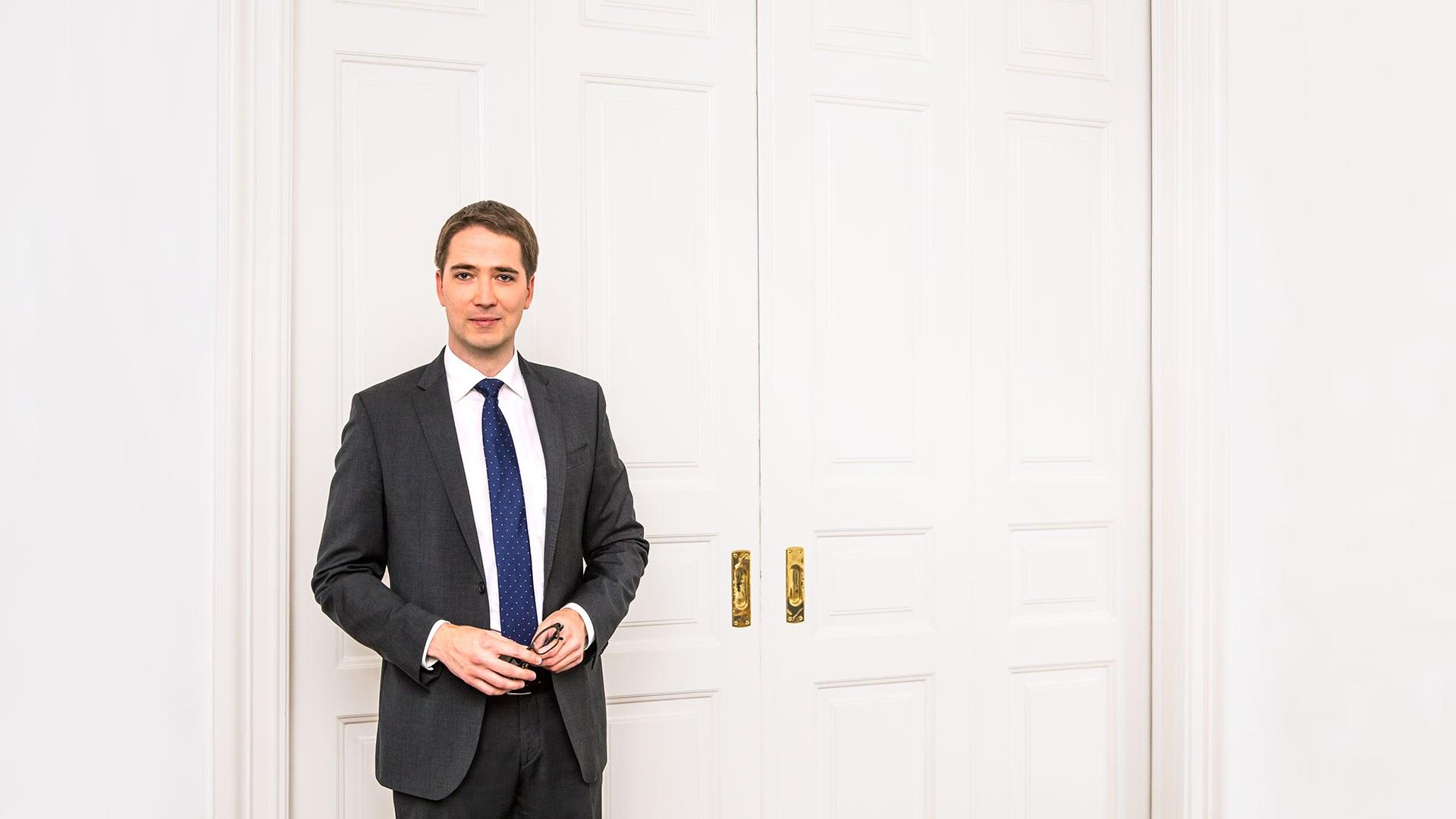 Dr. Dirk Wiedemann, LL.M. oec. - Rechtsanwalt — Lorenz Seidler Gossel